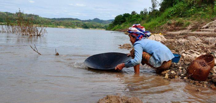 หวั่นตกเป็นเครื่องมือนักสร้างเขื่อน ชาวบ้าน 8 จังหวัดลุ่มน้ำโขงปฎิเสธเข้าร่วมเวที PNPCA เขื่อนปากลาย จวกไม่เคยรับฟังเสียงทักท้วงของภาคประชาชน เผยสร้างห่างจากชายแดนไทยด้านอ.เชียงคานแค่ 92 กม.หวั่นผลกระทบอื้อ