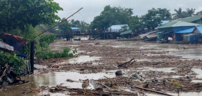 น้ำท่วมหนัก ดินถล่มในหลายพื้นที่ทั่วพม่า พบมีผู้เสียชีวิตจากเหตุอุทกภัย บ้านเรือนได้รับความเสียหายเป็นจำนวนมาก ชาวบ้านกว่า 12,000 คน ต้องอพยพไปอยู่ในพื้นที่ปลอดภัย