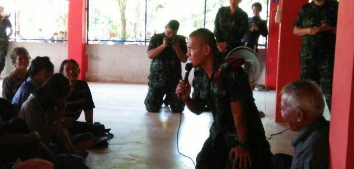 ทหารยันโครงการเขื่อนชมพูไม่ใช่ในพระราชดำริ-ถามหาคนแอบอ้าง ชาวบ้านแฉกลับเอกสารกรมชลระบุชัด-ชุมชนระแวงเดินหน้าเรียกประชุมรับมือ
