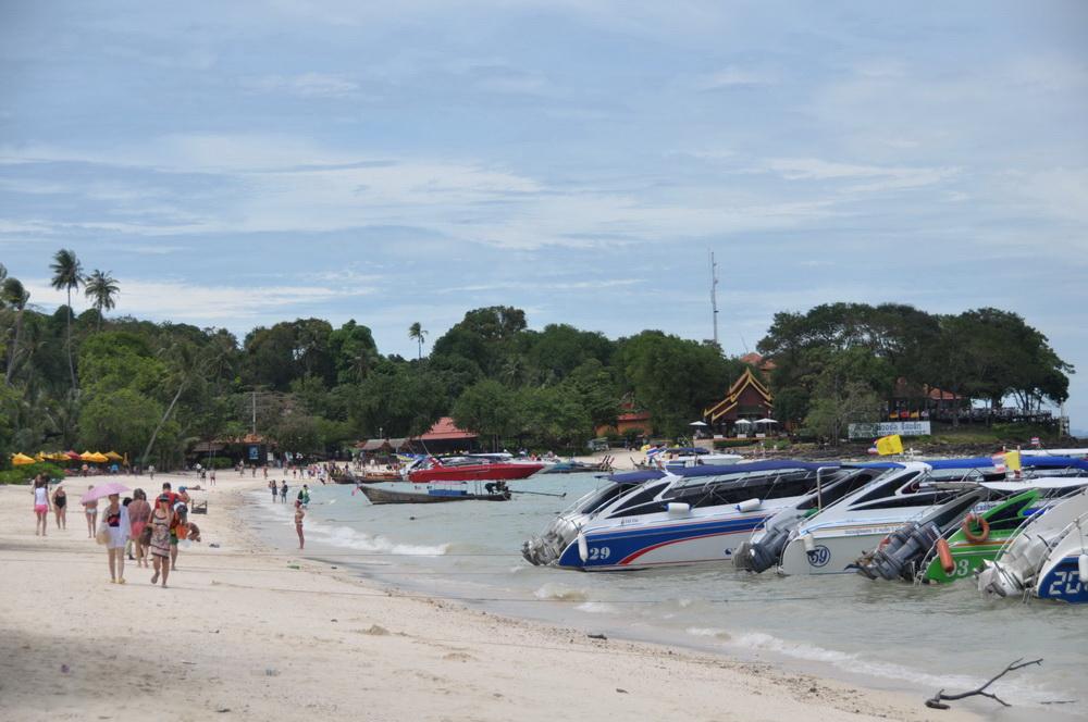 ชายหาดแหลมตง แปรสภาพเพื่อรับใช้นักท่องเที่ยว