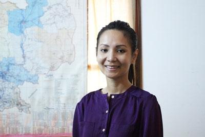 น.ส.คิม โมนาวิทยา (Kem Monovithya) รองผู้อำนวยการพรรค CNRP ผู้มีบทบาทสำคัญในงานด้านสิทธิ งานเด็ก-สตรีและผู้ด้อยโอกาสของพรรค CNRP